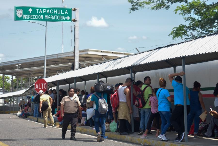 """Operativos en hoteles de Chiapas es para atrapar """"polleros"""""""
