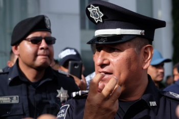 Policías federales presentan pliego petitorio; piden no ser evaluados por militares