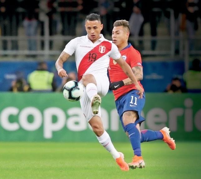Perú golea al Bicampeón y llega a la final tras 44 años