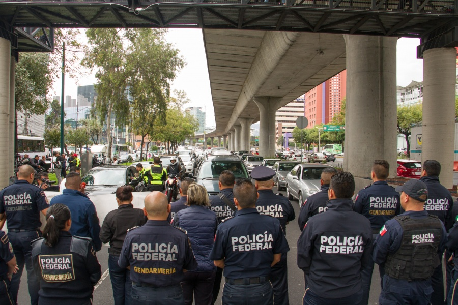 Continúa afectación vial sobre Periférico por protesta de federales