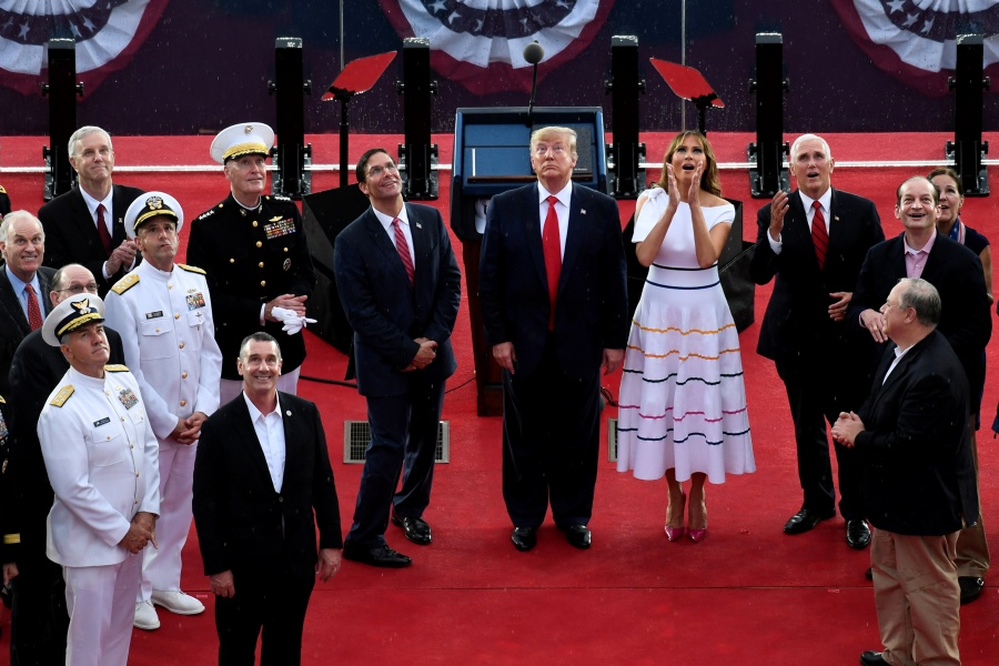 Trump elogia al Ejército en el Día de Independencia