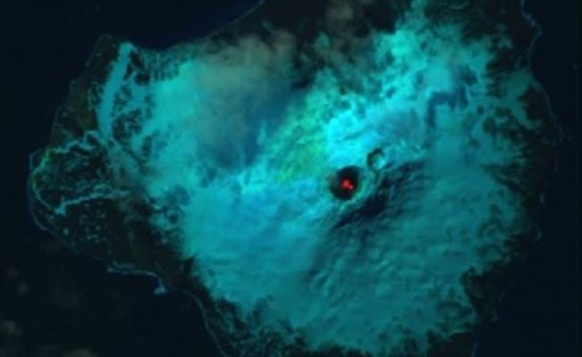 Descubren lago de lava en isla remota del Océano Antártico