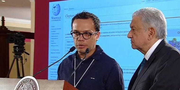 Llama AMLO cleptómanos a inconformes por contratación de servicios del Gobierno