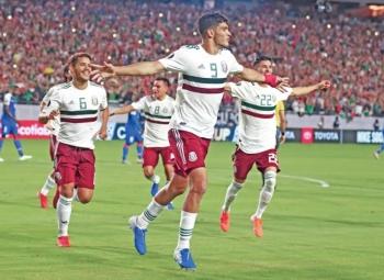 Jiménez luce como segundo máximo goleador mexicano