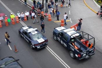 Por tercer día, policías federales afectan circulación en Anillo Periférico, en Iztapalapa