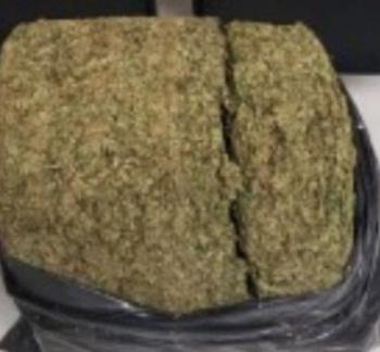 Detienen a adolescente con 20 kilos de mariguana