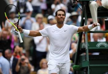 Nadal supera a Tsonga y avanza en Wimbledon