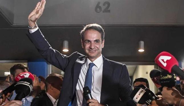 Grecia cierra las puertas al populismo