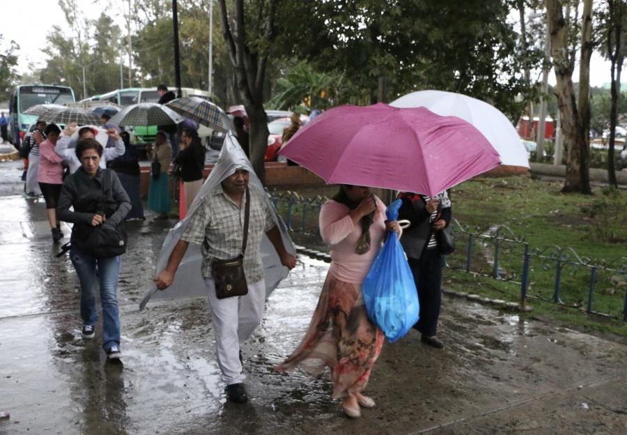 Se prevén lluvias y chubascos por la tarde en la CDMX