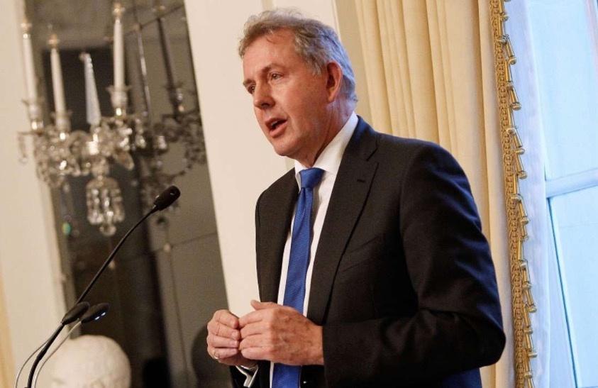 """Gobierno de Trump es """"torpe"""" e """"incompetente"""": embajador británico en EU"""
