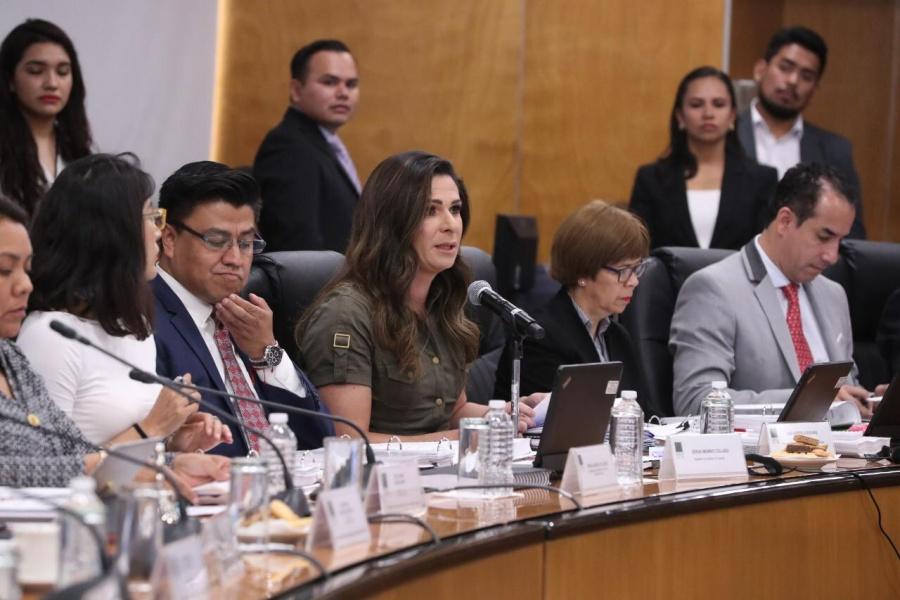 Ana Guevara manifiesta que hay cambios en el otorgamiento de becas pero no reducción de las mismas