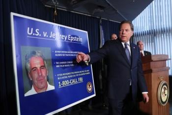 Detienen al multimillonario Jeffrey Epstein por tráfico sexual de menores