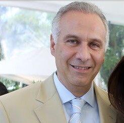 Trasciende: Elementos de la FGR detienen al abogado Juan Collado