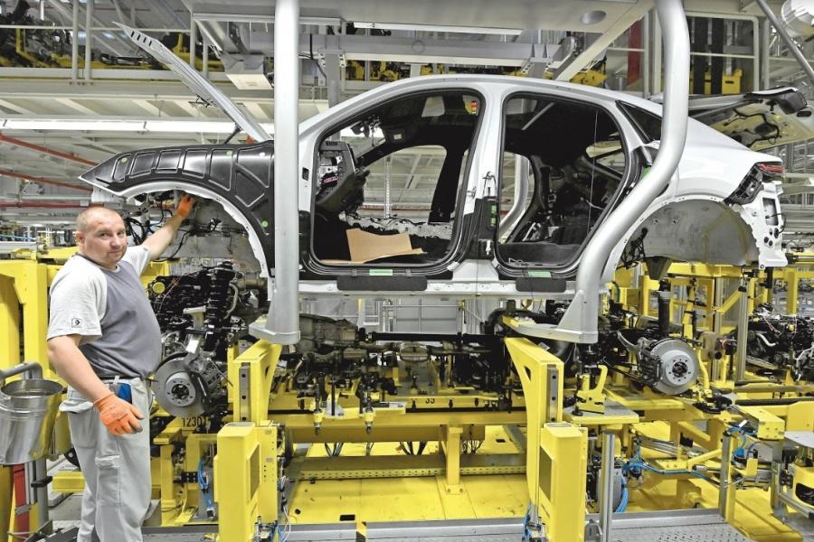 Se agudiza la crisis de la industria automotriz