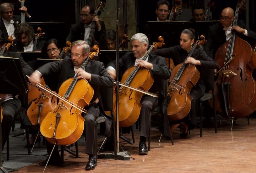 Con sinfónica, rinden homenaje nacional a Miguel León-Portilla