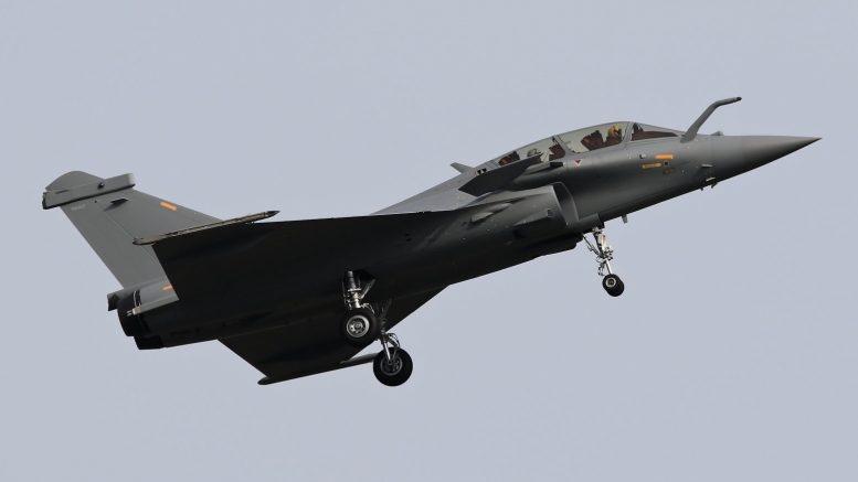 Dos aviones militares en Qatar colisionan en pleno vuelo