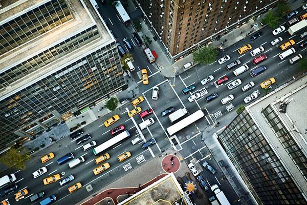 Expertos señalan medidas para promover movilidad urbana sostenible