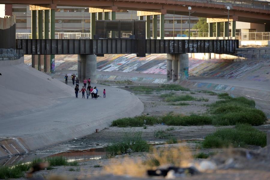 EU alista cacería de migrantes en 10 ciudades