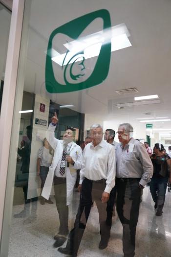 Plantea AMLO crear distribuidora de medicamentos