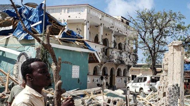 Atentado a un hotel en Somalia deja al menos 26 muertos
