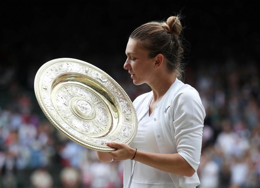Halep vence a Williams y se consagra campeona en Wimbledon
