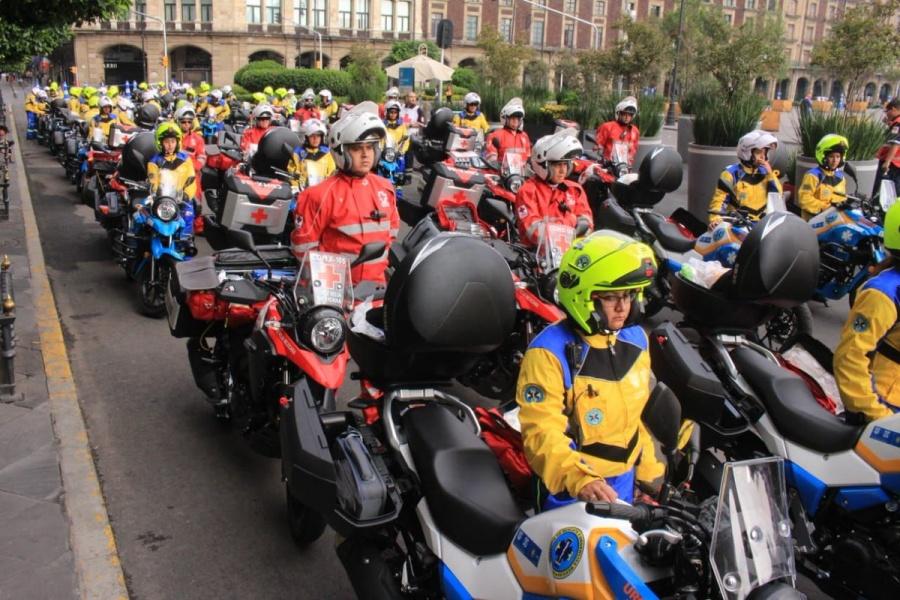 Presentan nuevos equipos de emergencia del Erum y de la Cruz Roja