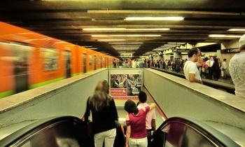 Hombre muere tras arrojarse a las vías en Metro Chabacano
