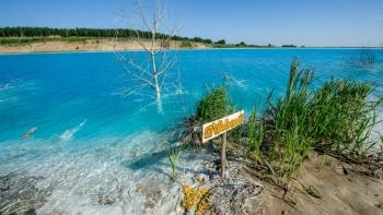 Por seguridad de visitantes, cierran lago tóxico en Siberia
