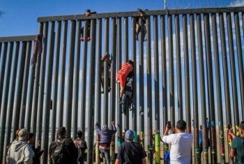 Bloquean solicitudes de asilo a migrantes en EU