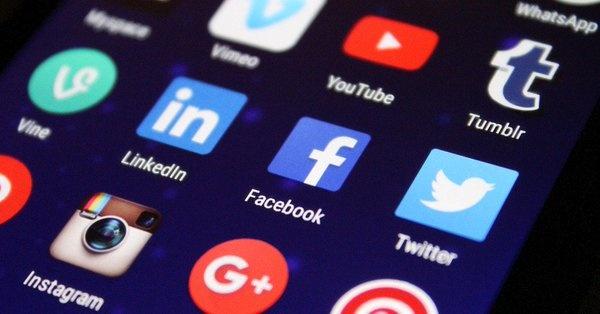 Caen de nuevo Instagram y Facebook