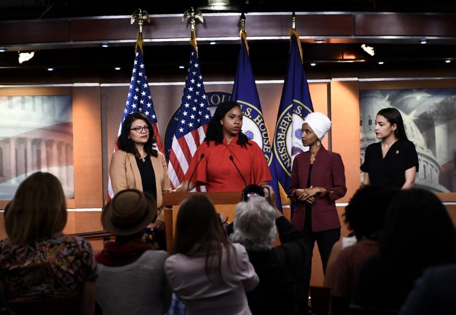 Las cuatro congresistas de EU acusan a Trump de ser racista