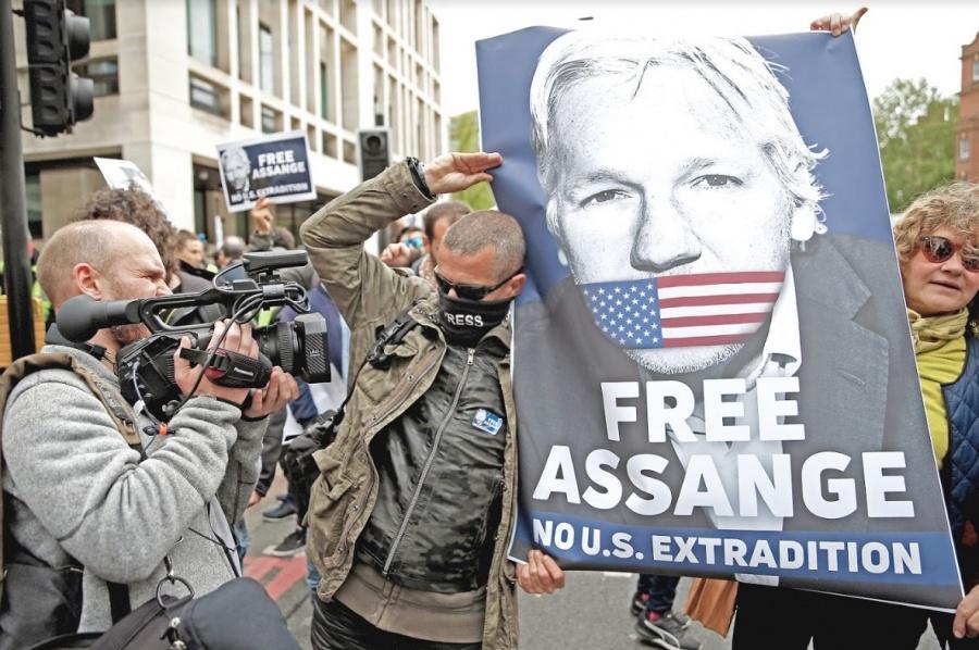 Assange se salva de la pena de muerte