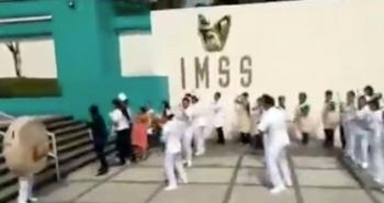 En el IMSS crean baile para prover la lactancia materna