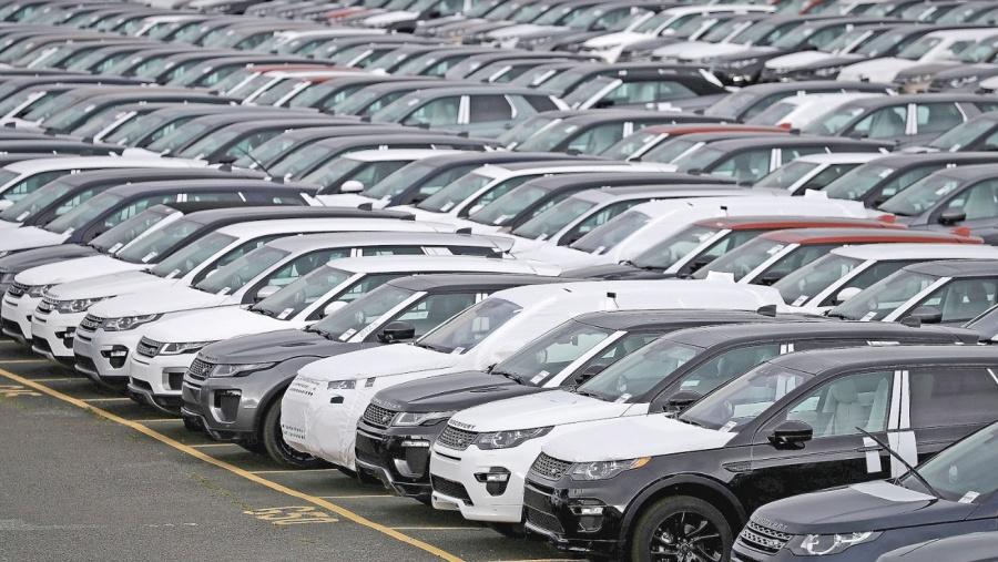 Sigue a pique venta de autos, ni con crédito los compran