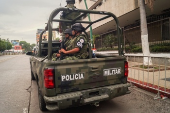 Guardia Nacional frustra robo a tren con toneladas de cemento en Puebla