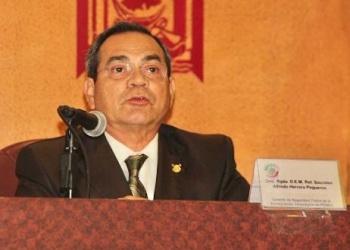Detienen a ex general Sócrates Herrera; lo acusan de huachicoleo