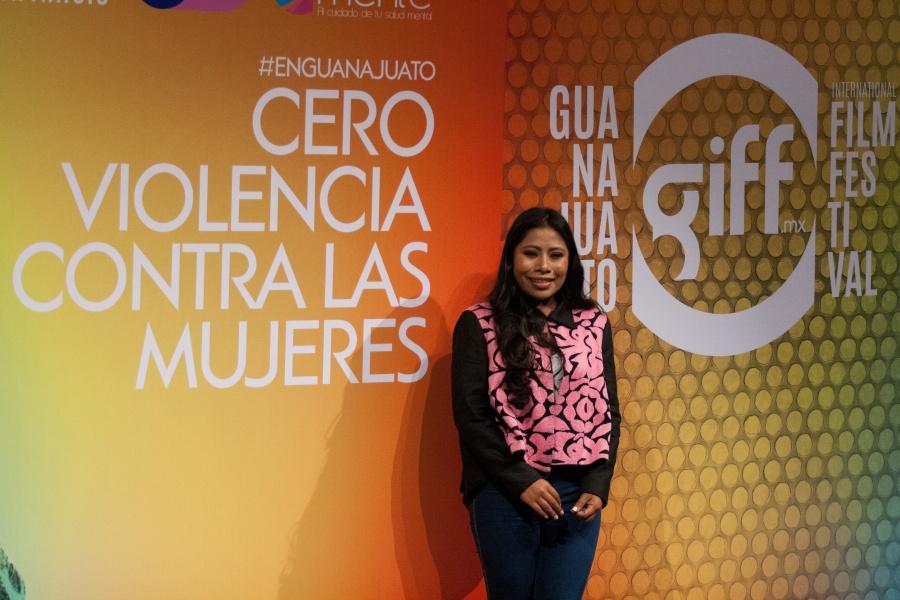 Yalitza Aparicio abandera campaña Cero violencia contra la Mujer