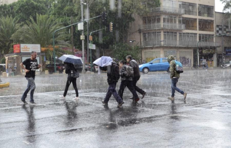 Continuarán las lluvias este sábado en la mayor parte del país