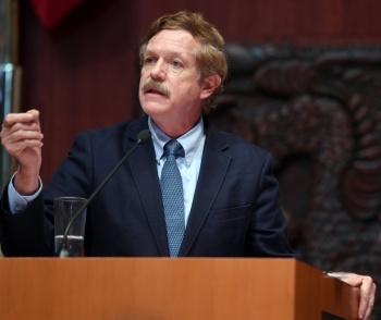 Debe reconsiderarse el Plan de Negocios de Pemex o se corre el riesgo presentar déficit petrolero y mayor costo público: Romero Hicks