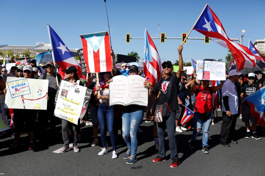 Miles protestan en Puerto Rico; piden la renuncia del gobernador Rosselló
