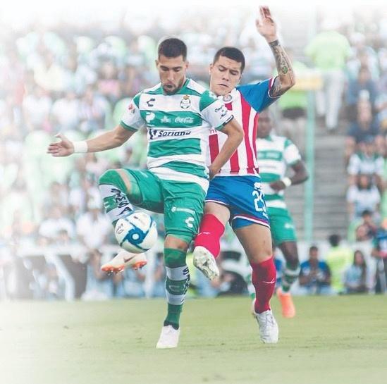 Chivas suma su quinta derrota entre amistosos y debut de Liga