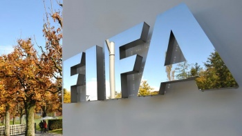 FIFA suspende de por vida a exdirigente africano por amaño de partidos