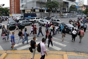 Caracas recobra servicio eléctrico; zonas de Venezuela, paulatinamente