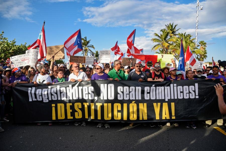 Gobernador de Puerto Rico renunciaría este miércoles tras escándalo