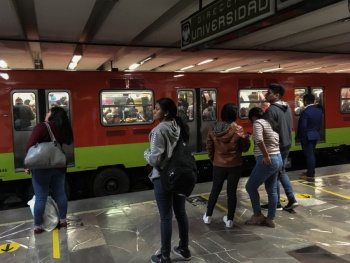Por lluvia, Metro implementa marcha lenta en cinco líneas