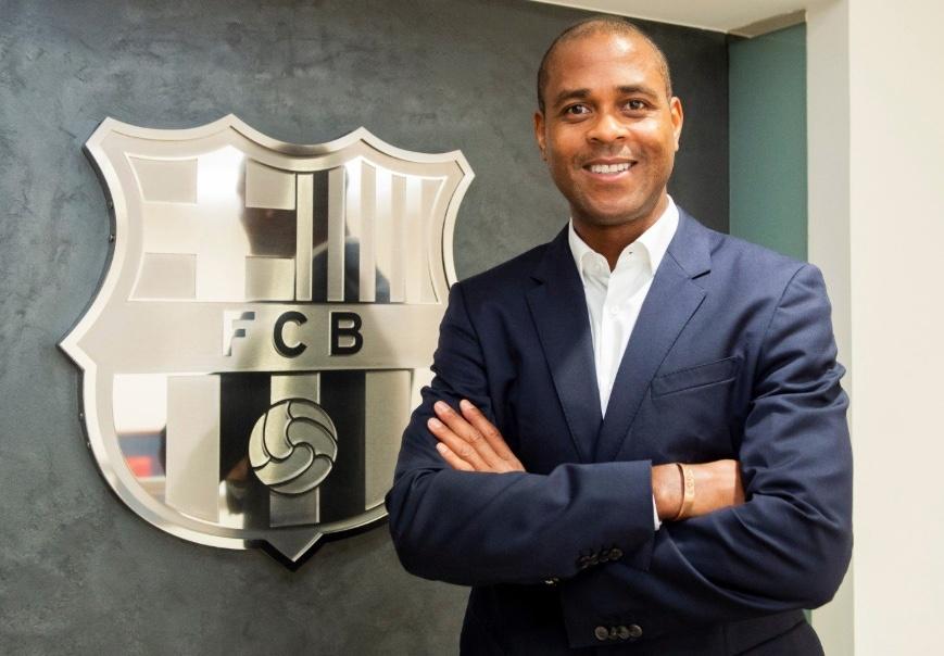 Patrick Kluivert, nuevo director de fútbol formativo del Barcelona