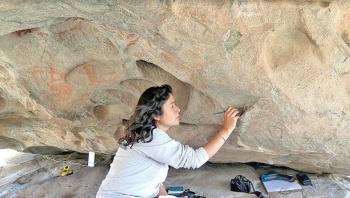 Restauran pinturas rupestres y petrograbados en La Rumorosa