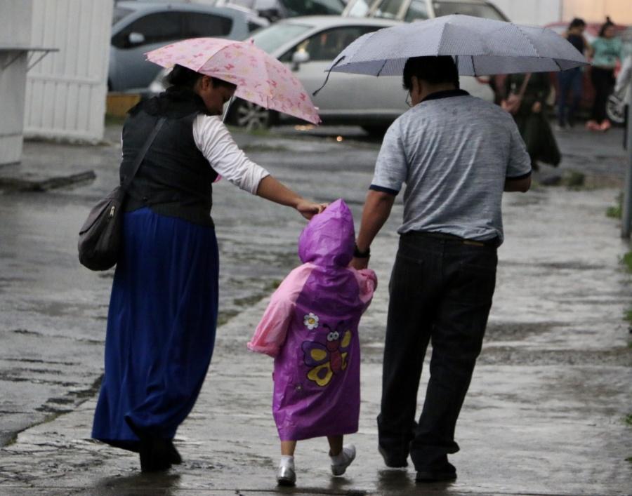 ¡Carga el paraguas! Persistirán lluvias vespertinas en la CDMX