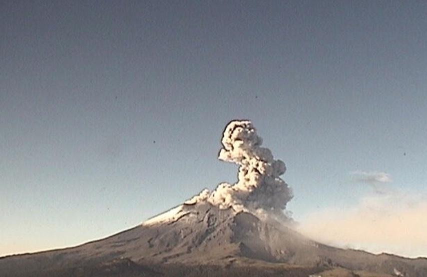 Popocatépetl registra exhalación de 1.5 kilómetros