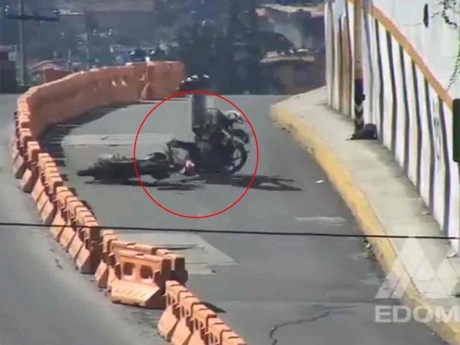 Secretaría de Seguridad Pública del Edomex difunde video del choque de dos motociclistas